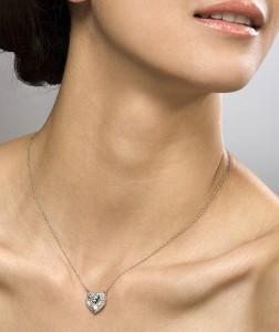womans-neck